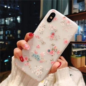Accessories - NEW iPhone 11/Pro/Max/XR/XS/X/7/8/Plus Flower Case